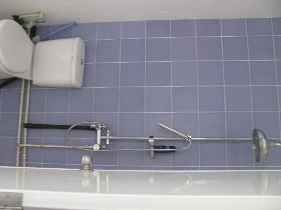 Hostel Amigos: Bathroom (love the rain shower)