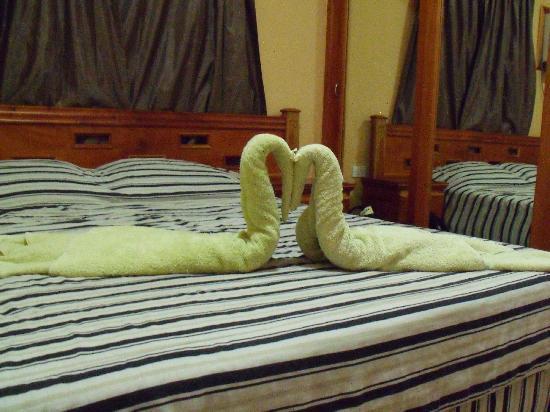 Beny's House: La cama. Le lit.