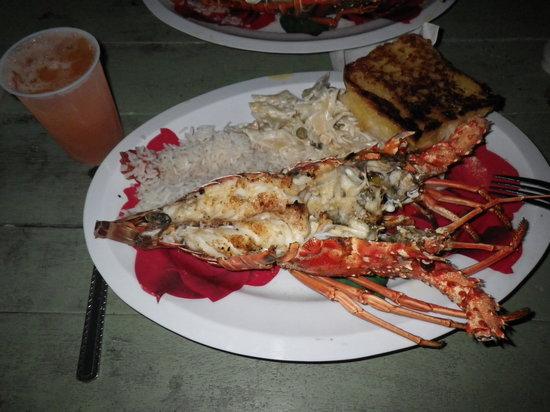 Jolly Roger's Grill & Restaurant: YUM!!!