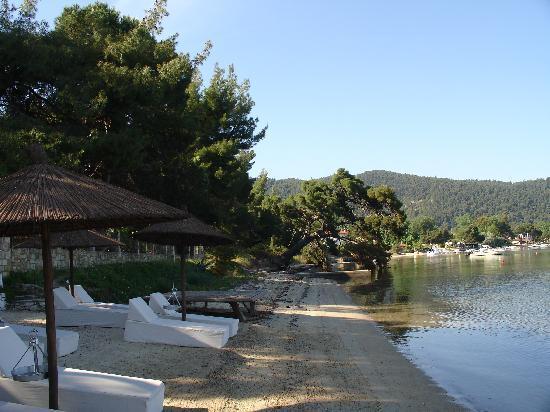 Ekies All Senses Resort: beach view