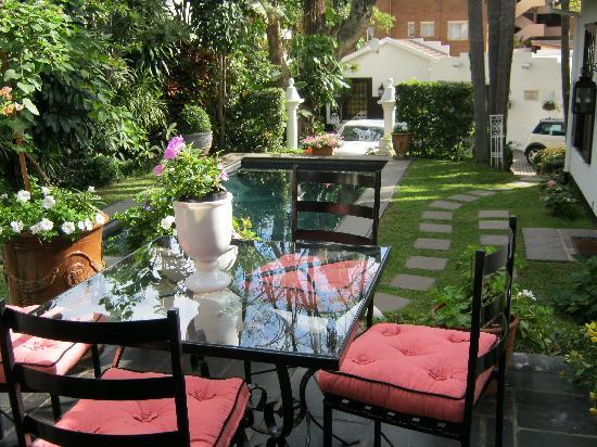 The Neuk Guest House: Patio