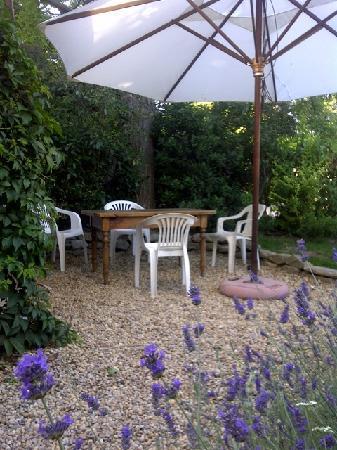 Bouilhonnac, France: Garden