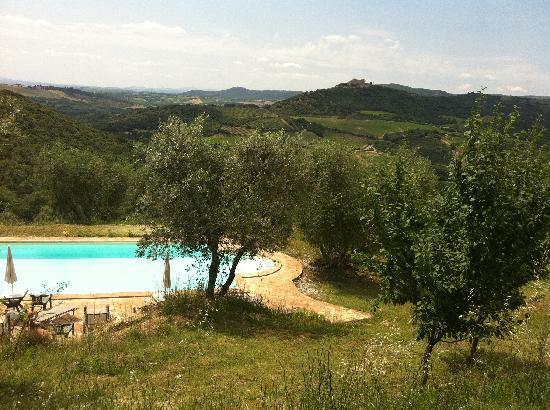 Agriturismo Grossola: mooi zwembad met prachtig panorama