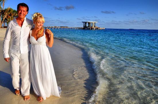 Dhevanafushi Maldives Luxury Resort Managed by AccorHotels : our wedding renewal