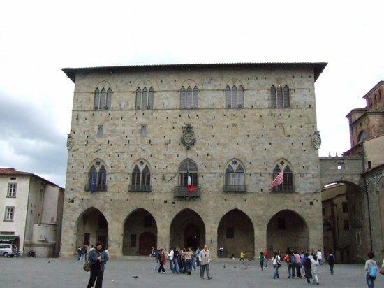 Museo Civico di Pistoia ( Palazzo del Commune)
