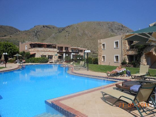 Hotel Areti Megala Horafia: piscine