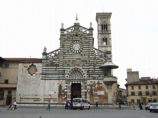 Prato, Italien: ドゥオーモ正面
