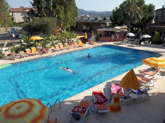 Bahar: Pool