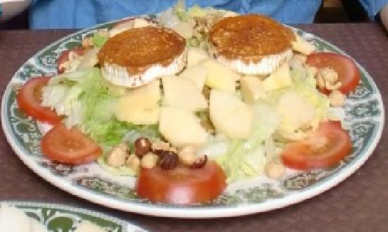La Parrilla: Ensalada de quesos asturianos