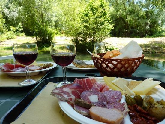 Taverna Castelluccio: assaggi gastronomici umbri