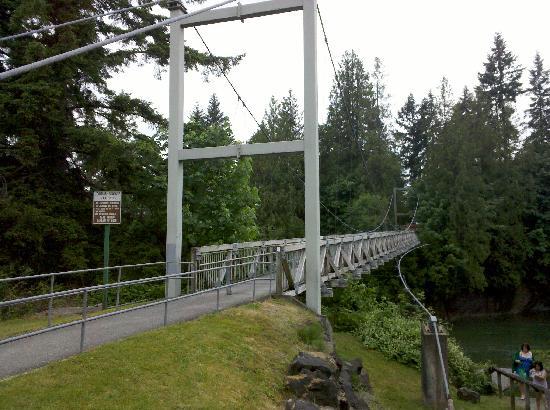 Jordan Bridge: View from opposite side of parking lot