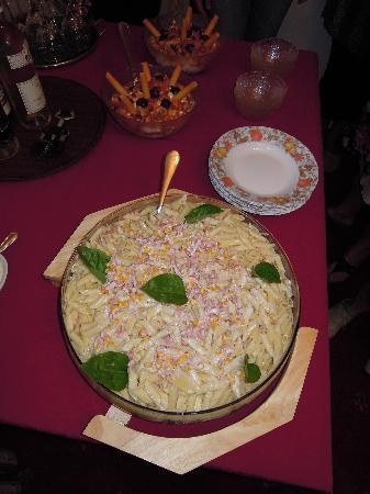 Villa - Hotel ESCALA: un bel piatto di maccheroni all'amatriciana