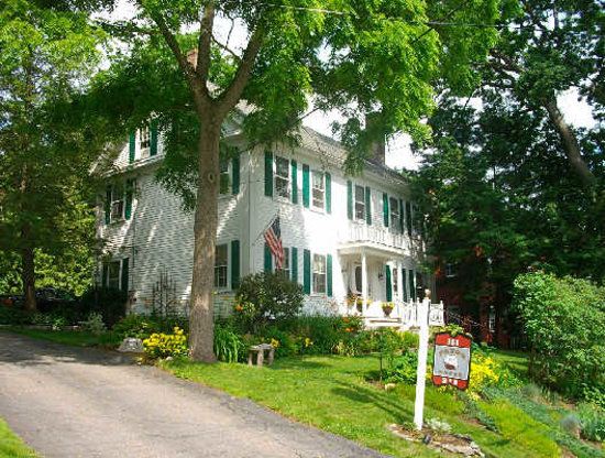Bath, Мэн: Nestled along the Kennebec River....quiet, fabulous breakfasts, comfortable elegance within walk