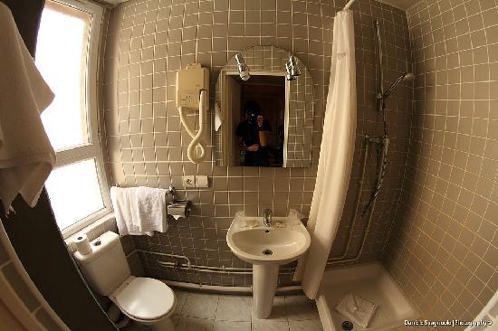 Hotel de Bellevue Paris Gare du Nord: Il bagno