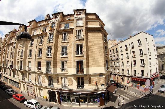 Hotel de Bellevue Paris Gare du Nord: La vista sulla strada
