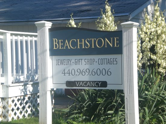 Beachstone Cottages: Store Sign
