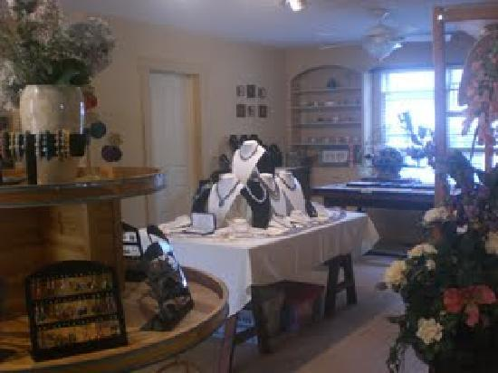 Beachstone Cottages: The gift shop