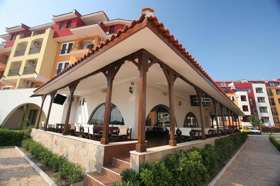 Antika Restaurant: View of the terrace