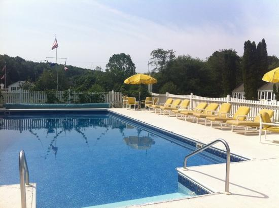 Boothbay Resort: pool!