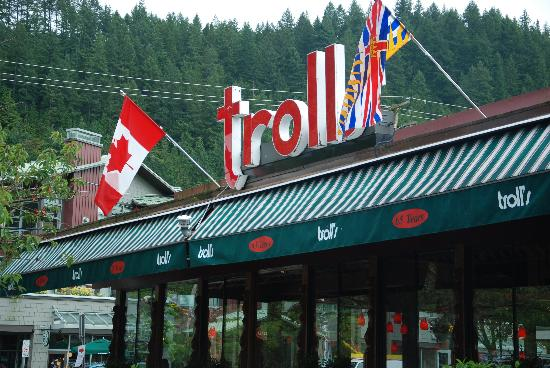 Horseshoe Bay Motel: The Troll Restaurant
