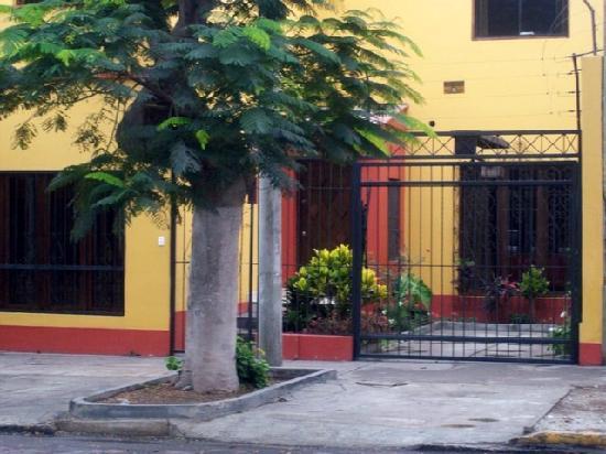 Aquisito Bed and Breakfast: von der Straße aus gesehen