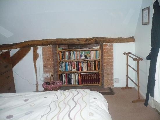 Manor Farm Cottage: Charming warm clean room