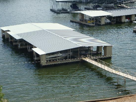 Kapilana Resort: Docks are close