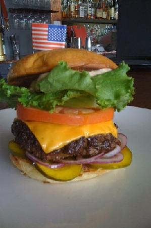 Henni's Kitchen & Bar: Best Cheeseburger in the Gorge! House-made all natural burger, bun, pickles and pickled onion! Y