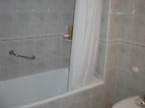 Hotel San Carlos: salle de bains