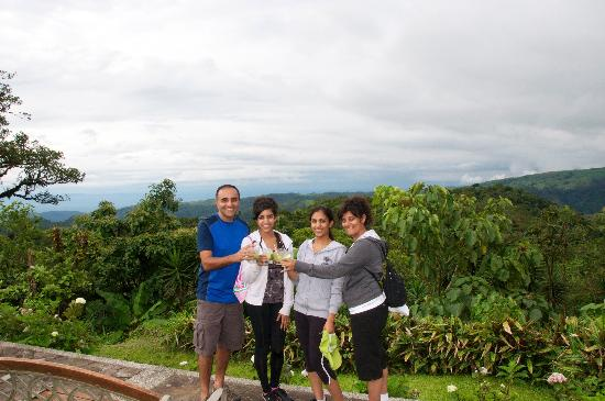 Villa Blanca Cloud Forest Hotel and Nature Reserve: View from the grounds