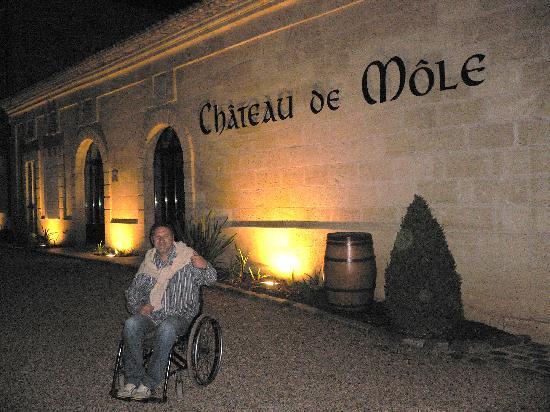 Chateau de Mole: De nuit ..
