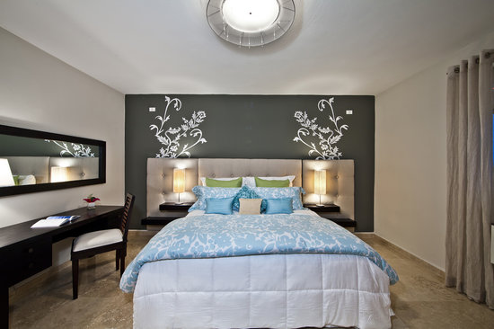 Ciqala Luxury Suites: Master Room with King bed
