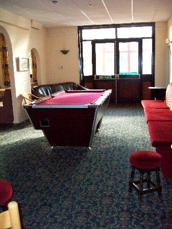 Crossroads Lodge: Bar Area