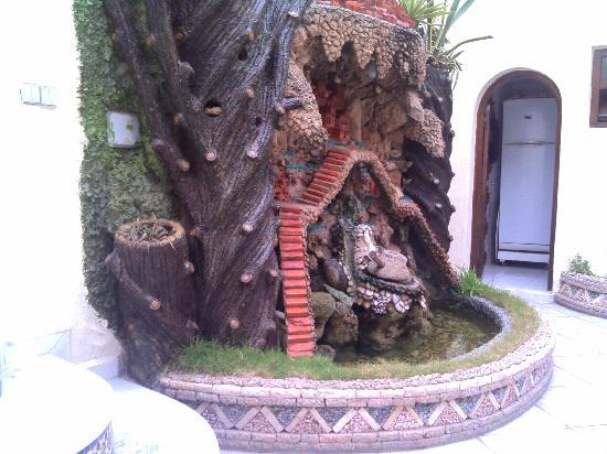 Hotel El Bahia: La jolie fontaine