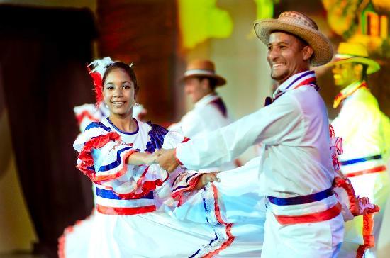Dominikanska republika - Page 2 Baile-tipico