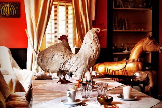 La Petite Auberge : Nice table settings