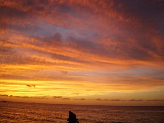 Galley Bay Resort: galley bay  sunset