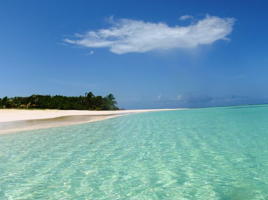Coco Point: crystal clear water