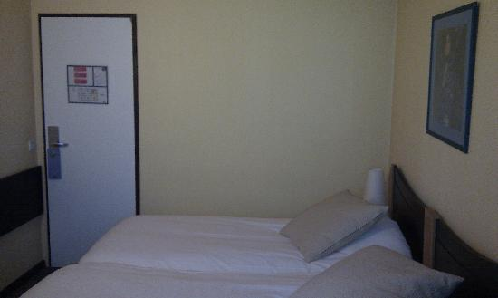 Kyriad Villefranche Sur Saone : Room