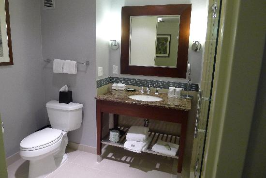 Westin Reston Heights: The bathroom