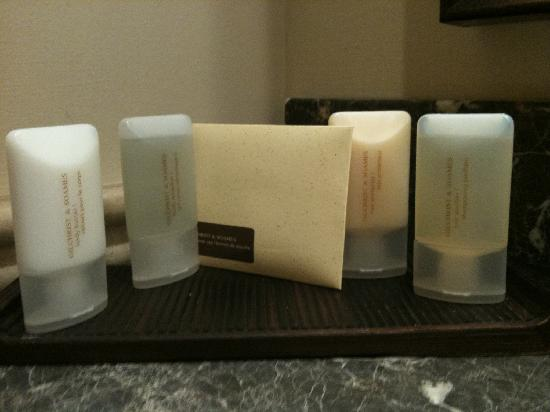 Lambertville Station Inn: nice toiletries!