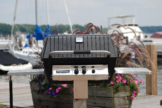 Lake Ranch Resort: One of the grills!