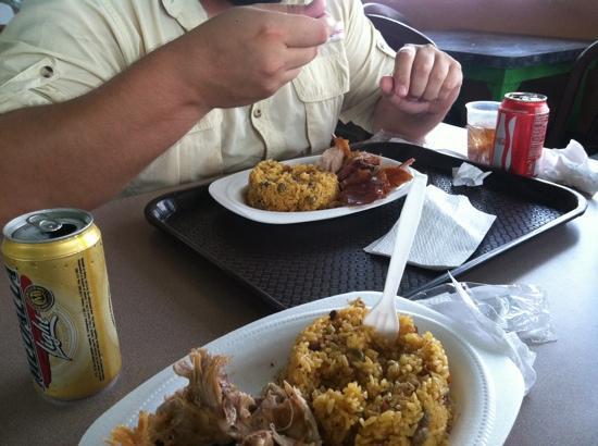 Lechonera El Rey: combo pork plate