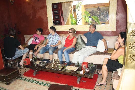 Riad Aguaviva: té de bienvenida