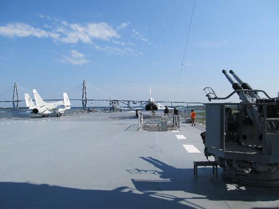 Patriots Point Naval & Maritime Museum: Flight deck.