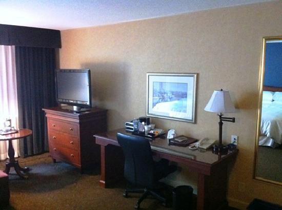 Sheraton Ottawa Hotel: Guest room