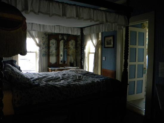 room at Shelburne Inn