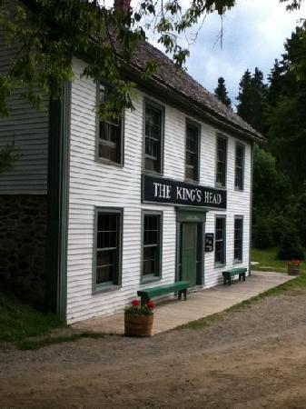 Kings Landing Historical Settlement: The Kings Head Inn
