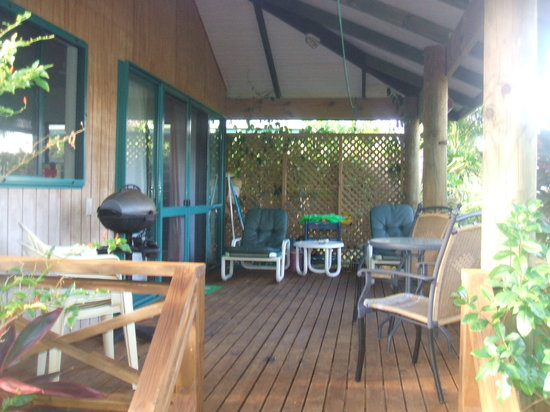 Aroa Kainga: The deck of our bungalow