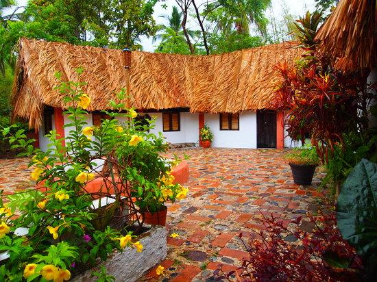 Casas de los Suenos: Courtyard